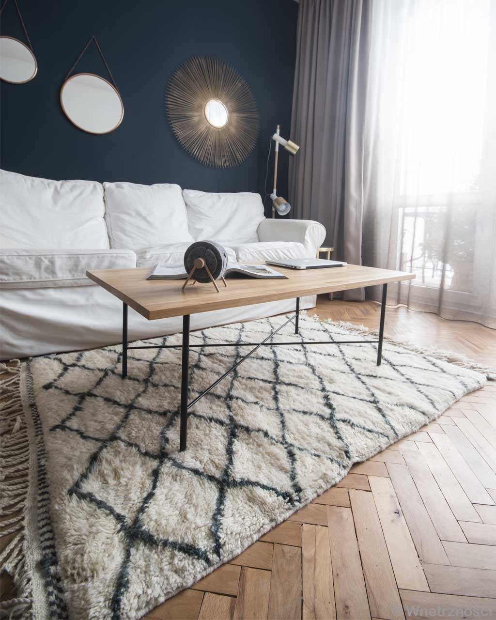 woolen sofa center table and lamp made by moroccan traditional cheap rugs