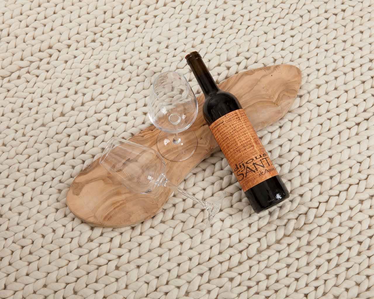 red wine white carpet cleaning 1