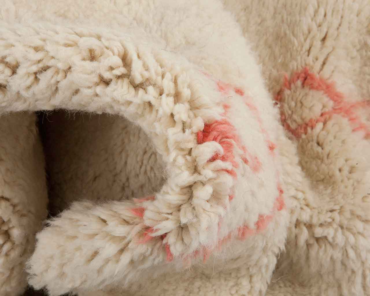 white light pink wool collapsen carpets 1